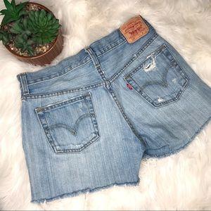 LEVI'S | 501 Distressed Cut Off Shorts